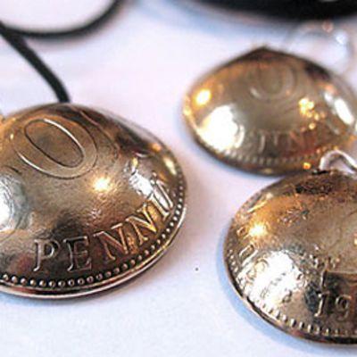 Laura Saarivuori-Eskolan tekemiä pennikoruja