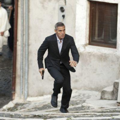 George Clooney näyttelee The American elojuvassa.