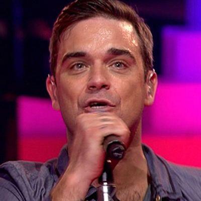 Robbie Williams esiintyy Lontoossa 20.10.2009.