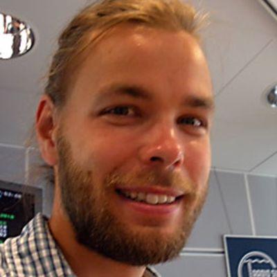 Ville Ranta konsertoi veljensä trion kanssa piirroskonsertissa.
