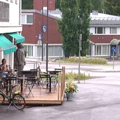 Pukkilan keskustaa ja kunnantalo.