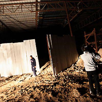 Israelin yöllisen ilmaiskun jälkiä Gazassa