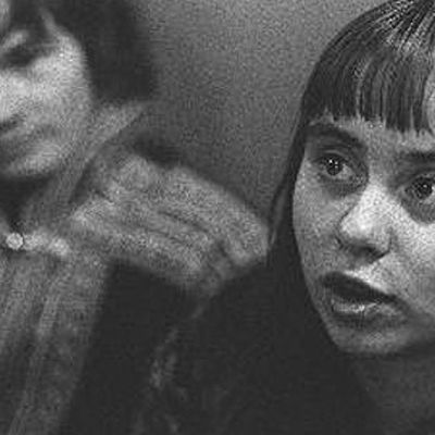 Maa on syntinen laulu -elokuvan naispääosan esittäjä Maritta Viitamäki vuonna 1973.