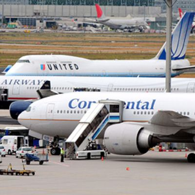Unitedin, U.S. Airwaysin ja Continentalin lentokoneitä Frankfurtin lentokentällä Saksassa