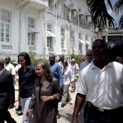 Michelle Obama Haitissa.
