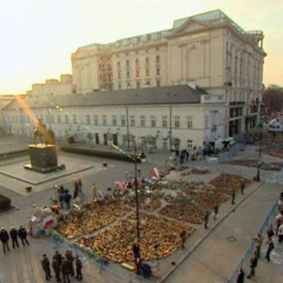 Presidentinpalatsin aukio Varsovassa.