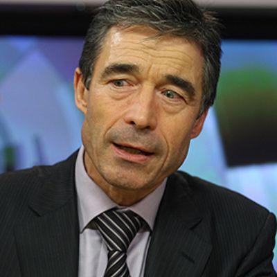 Anders Fogh Rasmussen veiraana moskovalaisen radiokanavan haastattelussa.