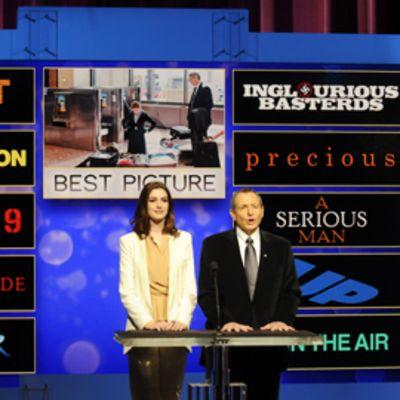 Anne Hathaway ja Tom Sherak