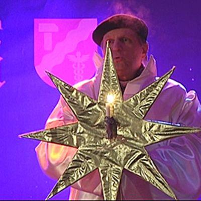Tähteä pyöritti tuomiorovasti Olli Hallikainen.