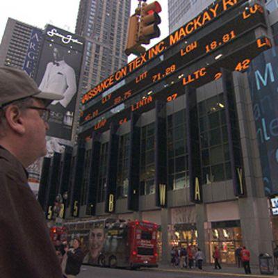 Michael Moore Capitalism - A love story