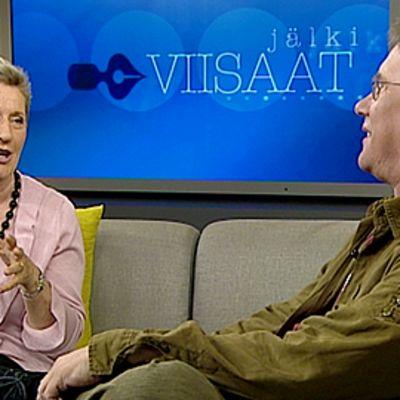 Aamu-tv:n Jälkiviisaissa 7.8.2009 keskustelivat Soili Suonoja sekä Heimo Holopainen.