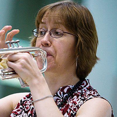 Judith Saxton trumpetteineen Lieksan Vaskiviikolla 2008.