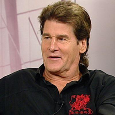 Laulaja Frederik YLEn Aamu-TV:n lähetyksessä heinäkuussa vuonna 2009.