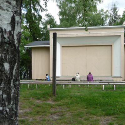 Viikinsaaren suljettu esiintymislava.