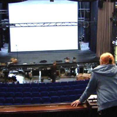 Savoy-teatterin katsomo ja lava.