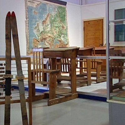 Koulutiellä-näyttely