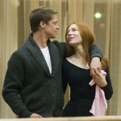Brad Pitt ja Cate Blanchett elokuvassa Benjamin Buttonin uskomaton elämä.