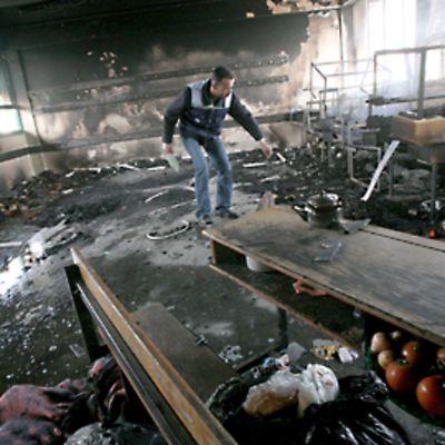 Israelin pommituksen jälkiä Gazalaisessa koulussa