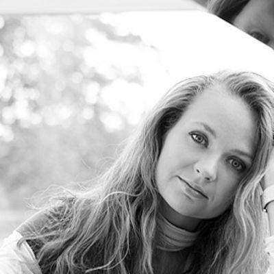 Mustavalkoinen kuva Anastasia Injushinasta.