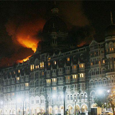 Taj Mahal -hotelli liekeissä piirityksen aikana