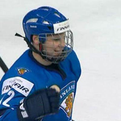 Ville Pokka tuulettaa alle 20-vuotiaiden MM-turnauksessa.
