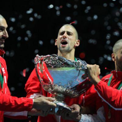 Serbian tennisjoukkue kuvassa