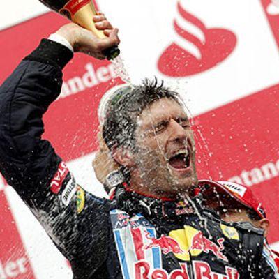 Mark Webber juhli uransa ensimämistä GP-voittoa.