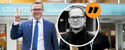 Grafik. I en stor del av bilden syns Petteri Orpo som håller upp fredstecken med två fingrar. Till höger grafik där reporter Anders Karlsson klippts in i en cirkel med en citatbubbla ovanför.