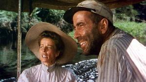 Katharine Hepburn ja Humphrey Bogart elokuvassa Afrikan kuningatar