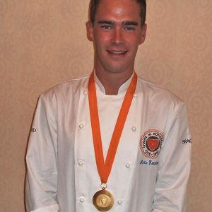 Arto Rastas, nuorten kokkien maailmanmestari vuonna 2005.