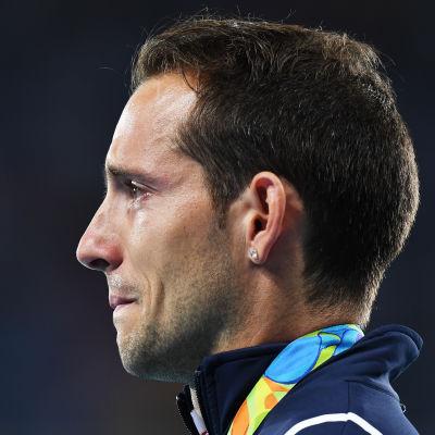 Renaud Lavillenie ser ledsen ut.