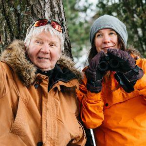 Pirkka-Pekka Petelius ja Minna Pyykkö laittavat itsensä likoon luonnon hyväksi.