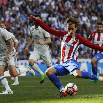 La Liga: Atlético nousi tasoihin Antoine Griezmannin maalilla Madridin derbyn lopulla.