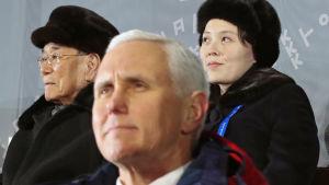 USA:s vicepresident Mike Pence vägrade att skaka hand med Kim Yo-Jong och den nordkoreanska talmannen Kim Jong-Nam som ledde Nordkoreas delegation under OS invigning