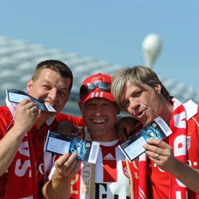 Bayern-fans på väg på final