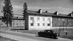 Bild på hus i Månsas. Tagen nångång under 1950-1959