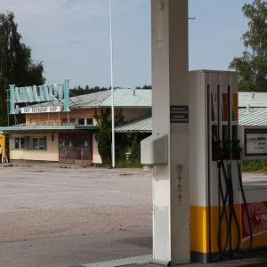Lahnajärven huoltoasema vuonna 2010
