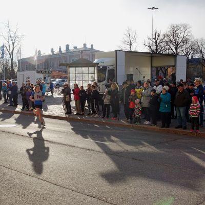 Kevin Lindholm sprang ankarsträckan och säkrade segern för Pernå.