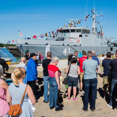 Minjaktfartyget Purunpää på besök i Vasa.