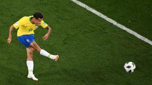 Philippe Coutinho skjuter ett skott