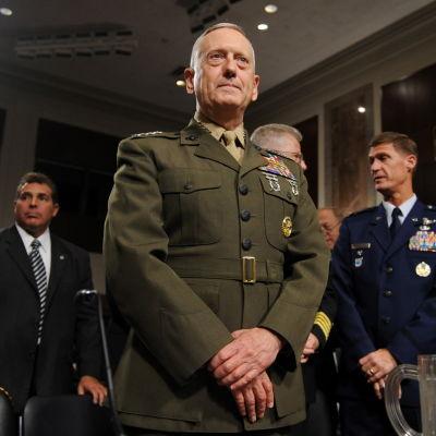 James Mattis i uniform.