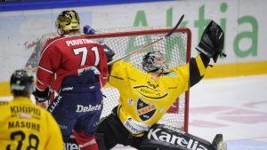 KalPas målvakt Pekka Tuokkola