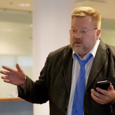 Johan Bäckman, Venäjä-yhteyksistään tunnettu dosentti
