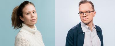 Kuva on yhdistetty kahdesta potretista. Toisessa kuvassa pitkähiuksinen nainen katsoo kameraan turkoosia taustaa vasten valkoinen neule päällään. Toisessa kuvassa silmälasipäinen mies katsoo kameraan kauluspaidassa.