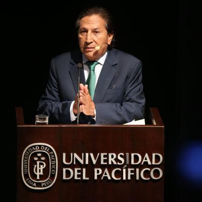 Ex-presidenten Alejandro Toledo har tillbakavisat anklagelser om att han tog emot 20 miljoner dollar i mutor under sin tid som president