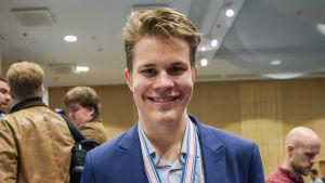 Jesse Puljujärvi vann VM-guld för under 18 och 20-åringar i år.