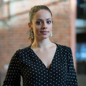 Porträtt på föreläsaren Felicia Margineanu.