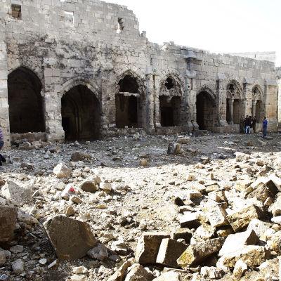 Korsriddarfästningen Crac des Chevaliers i Aleppo förstörd i strider mellan rebeller och armén.