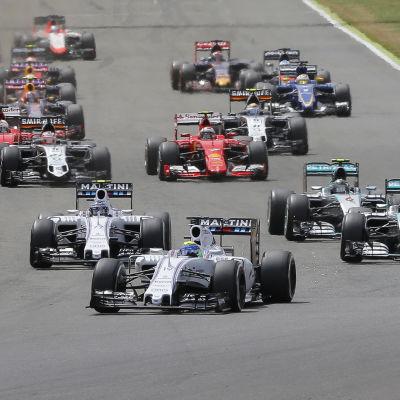 Starten i Formel 1-loppet i Silverstone 2015.