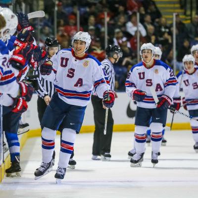 USA firar ett mål vid JVM 2019.